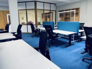 großer Büroraum